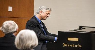 Pianist-Brian-Ganz