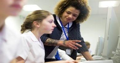teacher-student-computer