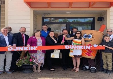 Maria Icaza opens fourth SoMd Dunkin' Donuts in Prince Frederick