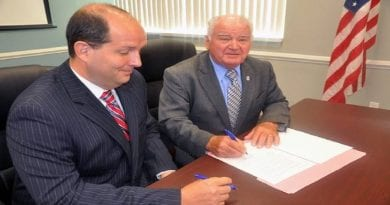 Commissioners of St. Mary's County and MetCom Sign Memorandum of Agreement