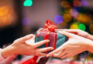 Poll shows nearly 2/3 of Americans may feel pressured to overspend during the holidays