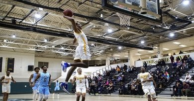 Trailing by 7 with 90 seconds left, Hawks snatch win from Owls in OT