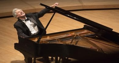 Classical Pianist Brian Ganz Performs  Chopin's Revolutionary Etude and Others For  Free River Concert Series Online Performance