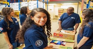 2700+ Americans Pledge to Serve; Will become Americorps Vista Summer Associates